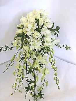 Google Image Result for http://www.nzflower.co.nz/images/wedding-bq-trailing-white-med.jpg