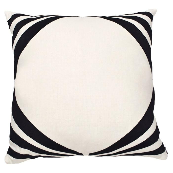 Ankasa Art Deco Pillow V in Ivory & Black: Decor Ideas, Black And White, Ivory Black, Διακοσμητικά Decor, Deco Pillows, Decor Pillows, Decor Inspro, Art Deco, Rooms Decor