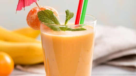 Mandľové smoothie s banánom a mandarínkou