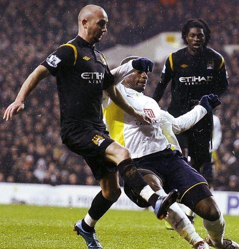 Tottenham 3 Man City 0 in Dec 2009 at White Hart Lane. Steven Ireland tries a shot at goal #Prem