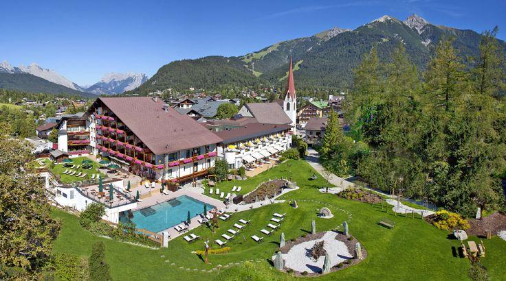 Das romantische Wellnesshotel Klosterbräu in Tirol ist ein Fünfsterne - Hotel in Seefeld in Österreich mit ★★★★★ Luxus Zimmer und einem Spa / Wellness-Bereich.