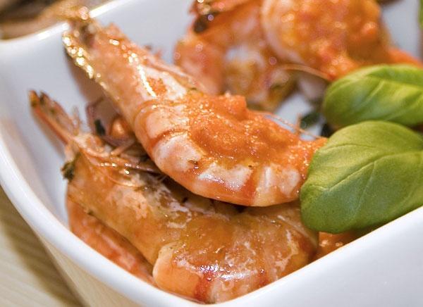 Gefrorene Garnelen Zubereiten : 78 images about fisch meeresfr chte on pinterest paella smoked salmon and smoked cheese ~ Watch28wear.com Haus und Dekorationen