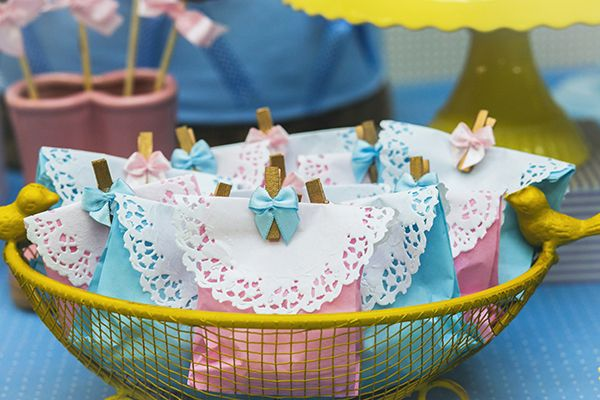 Aniversário com tema Galinha Pintadinha - Constance Zahn   Babies & Kids