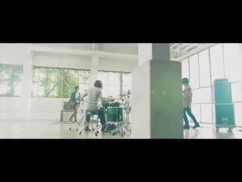 People In The Box「翻訳機」「聖者たち」MV - YouTube