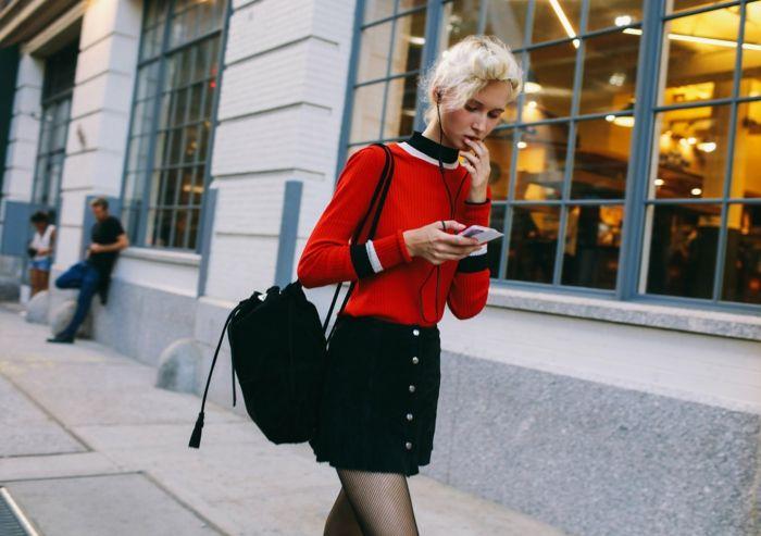 tenue chic femme collant rouge blouse