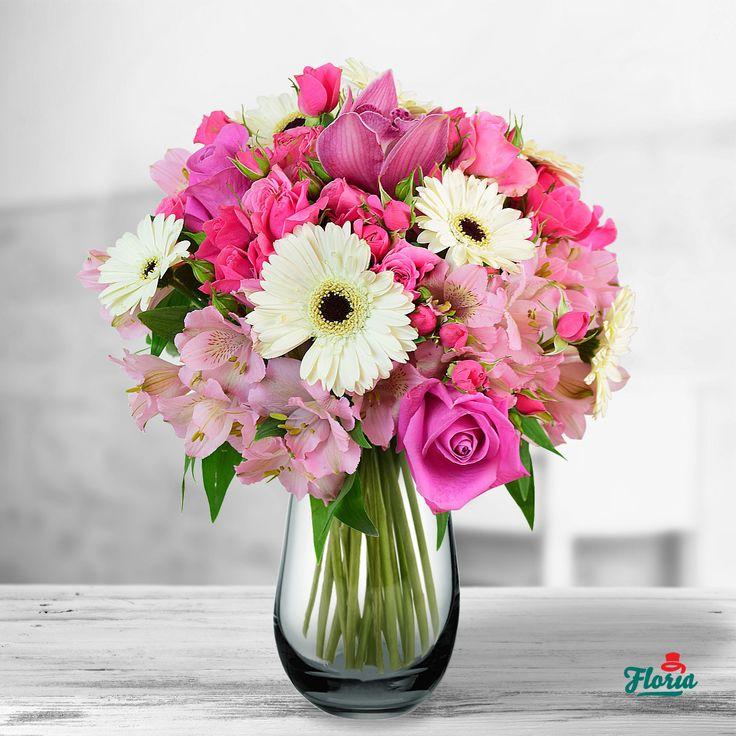 Orice ai sarbatori toamna asta – o zi de nastere, un eveniment important sau, pur si simplu, dragostea voastra – ofera-i acest buchet, creat pentru momentele de sarbatoare din acest anotimp. Acest buchet continr: 6 alstroemeria roz, 5 miniroza roz, 3 trandafiri roz, 7 minigerbera albe, 1 cupa cymbidium roz, salal. Dimensiune: 40 cm (inaltime) - 30 cm (diametrul buchetului)