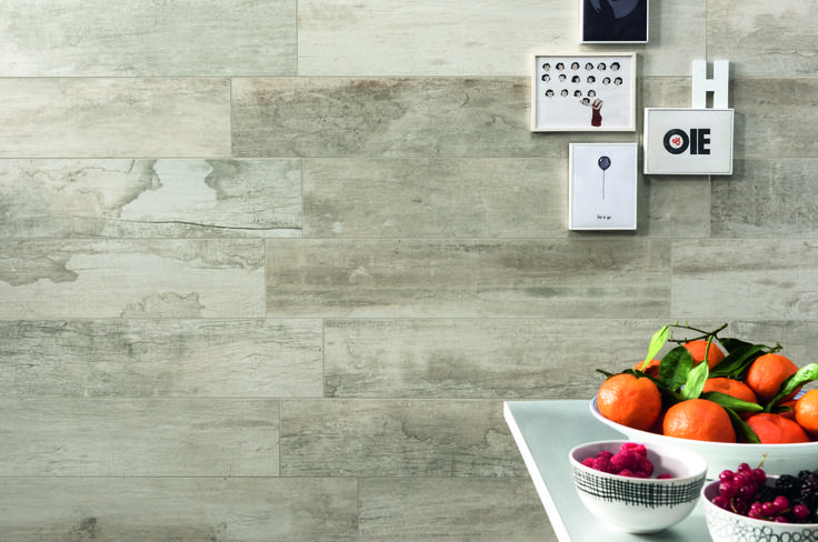 www.caesarceramicsusa.com #Revive in #vanilla color is the wood–effect porcelain stoneware, whose surfaces evoke all the prestige and charm of matter ravaged by the passing of time with #vintage effect. #Vintage #design #porcelain #stoneware #walls #wood #surface #fruit #healthy #kitchen #living #lunch #design #trends #2016 #lifestyle #USA #ceramiche #caesar #ceramics