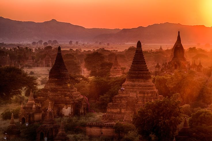 Sunset from the Shwesandaw pagoda in Bagan. Photo: John Einar Sandvand More photos: http://sandvand.net/photography-myanmar-marvelling-temples-bagan/