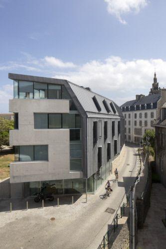 Institut de Génomique Marine, Roscoff (France) by Barre et Lambot Architectes, Contractor : Menez  #VMZINC #Concrete #Zinc #Project #Architecture #QuartzZinc #France #Façade #Roof #StandingSeam