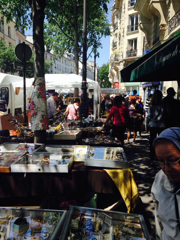 KINSA in Paris - Flea market in Marais
