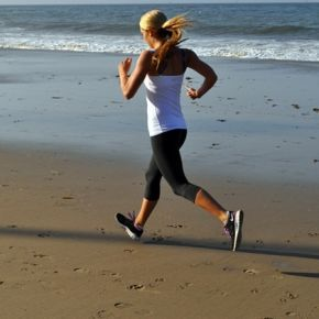 How running few times around the house can help you burn LOTS of fat. . . Re-Pin now, check later!