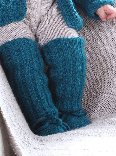 Miou Kids knitted booties for babies and toddlers. www.mioukids.com