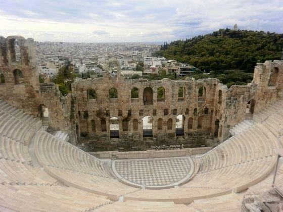 Grecia  - veduta del Teatro Erode Attico e monte Filopappo - di GIOVANNINI ALDO