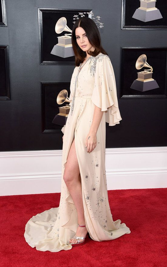 f7b214a62f7 Grammys 2018 Red Carpet Report: Lana Del Rey, Queen of Space, in Gucci |  Tom + Lorenzo