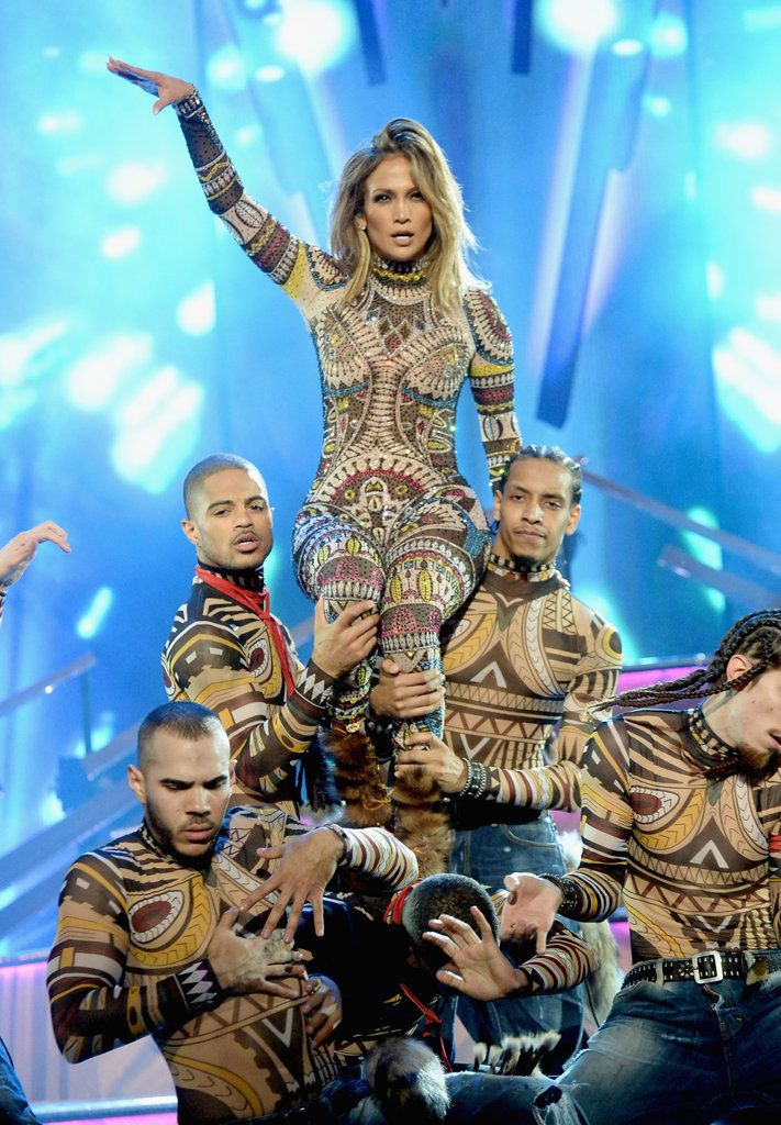 Life Inspiration: All 10 Beauty Looks Jennifer Lopez Wore at the AMAs