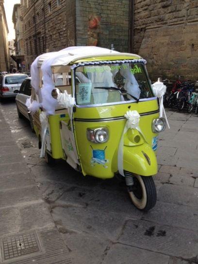 Ape wedding car in Florence