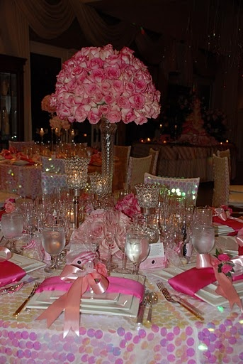 45 best images about centros de mesas para fiestas de 15 for Flower arrangements for sweet 16