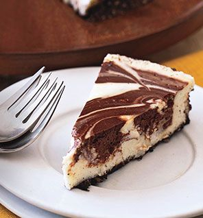 lowfat chocolate marble cheesecake. only 223 calories per serving!