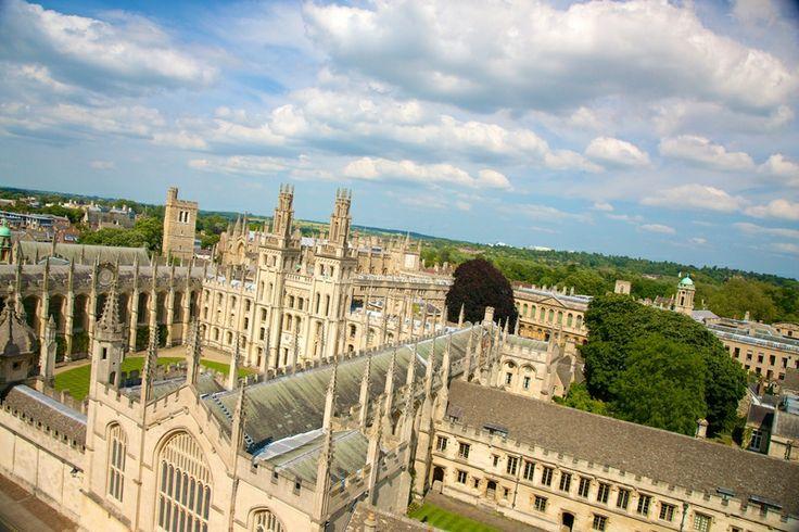 Tabara de limba engleza & program Intensive Academic pentru admitere universitate Marea Britanie // Tabara internationala academica de vara se adreseaza tinerilor intre 15-17 ani care urmaresc sa studieze in viitor la o universitate din Marea Britanie si se desfasoara in Oxford, oras universitar incantator care defineste invatamantul superior de calitate, fiind locul unde au studiat mari personalitati, de la castigatori ai premiului Nobel la scriitori. Celebra Universitate Oxford este prima…