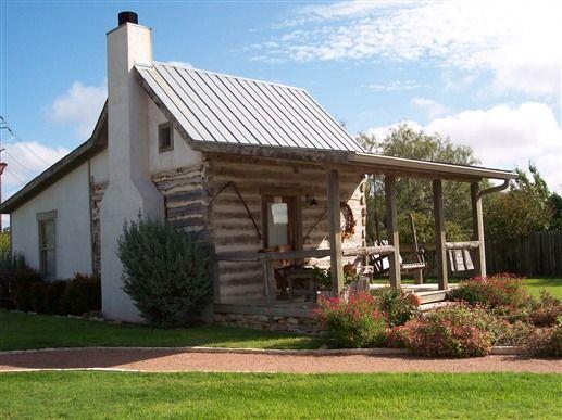 The bolinger cabin at chuckwagon inn fredericksburg tx for Cabins near fredericksburg tx