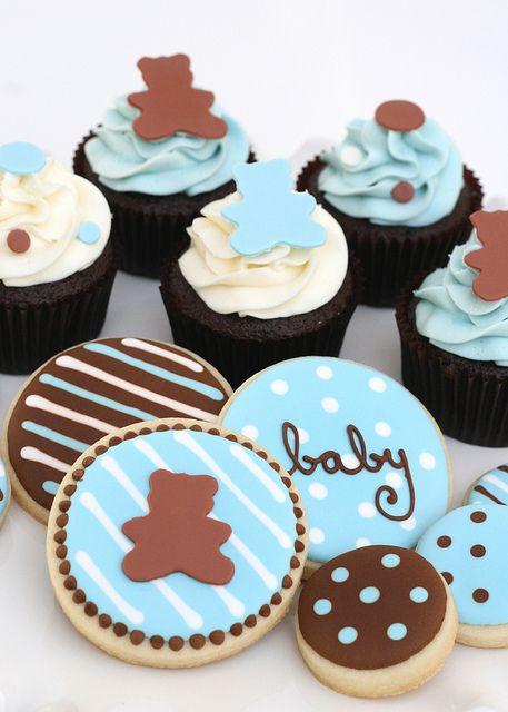 Baby shower cookies http://modernbabyshowers.blogspot.com