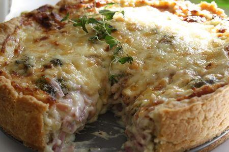 Paj med ost, skinka och broccoli - Jennys Matblogg