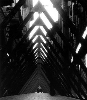 Ugo La Pietra, Sistema disequilibrante, Campo urbano, 1968