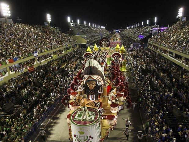 Carnaval 2012 - Desfile da Mangueira no Sambódromo do Rio de Janeiro.