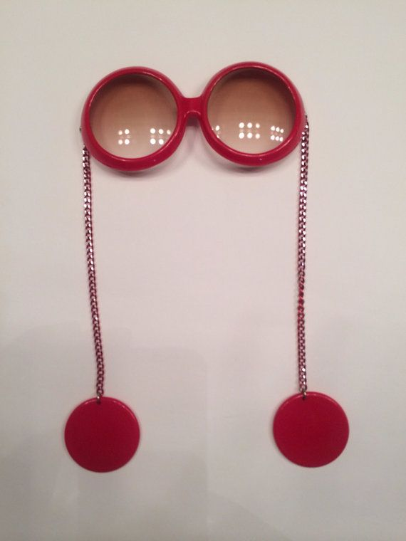 Mod swinging 60s red sunglasses with earrings. Reppined by www.nouvellbag.com