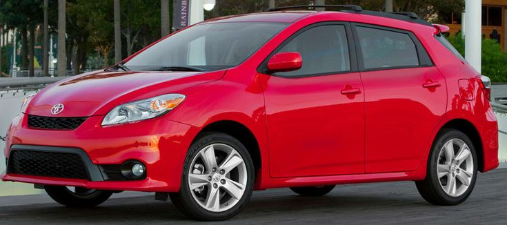 2013 Toyota Matrix Owners Manual –The Toyota Matrix delivers utility in a compact package with two engine alternatives and non-obligatory all-time travel. Developed in tandem with the Corolla sedan, the Matrix is essentially the several-entrance hatchback wagon edition of the Corolla. ...