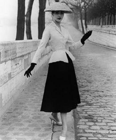 No fue hasta los años 30 cuando Christian Dior se dio cuenta de que su camino lo dictaba la moda y comenzó su carrera como diseñador de sombreros
