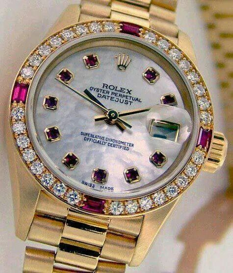 Not really a rolex type of girl but this is nice. Gold rolex womens