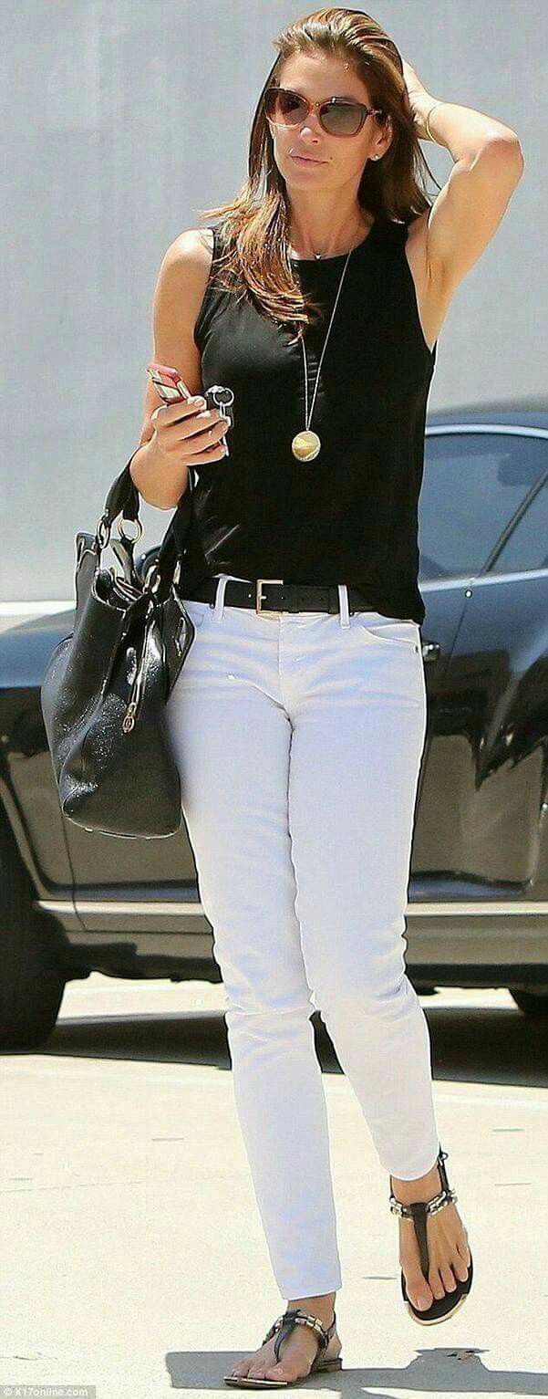 Simple classic black and white. Love it. I have the whit jeans. Just need to pull this together.