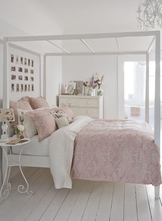 Pale pink /Martine Haddouche/