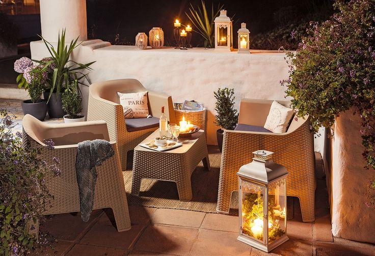 ¡Una #terraza perfecta para difrutar de las noches primaverales! #Candles #night #ratán