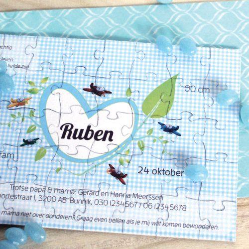Deze aparte geboortekaart de nodige aandacht van familie en vrienden. Laat ze puzzelen. Deze puzzel geboortekaartjes zijn origineel. Bestel jullie puzzels!