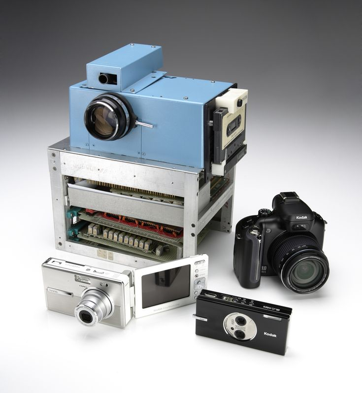 Kodak invented the world's first digital camera. The prototype was the size of a toaster and captured black-and-white images at a resolution of 10,000 pixels (.01 megapixels). ♦ Kodak introduced the KODAK EKTAPRINT 100 Copier-Duplicator, which received immediate industry acclaim for its high-quality copies and the user conveniences made possible by an on-board microcomputer.