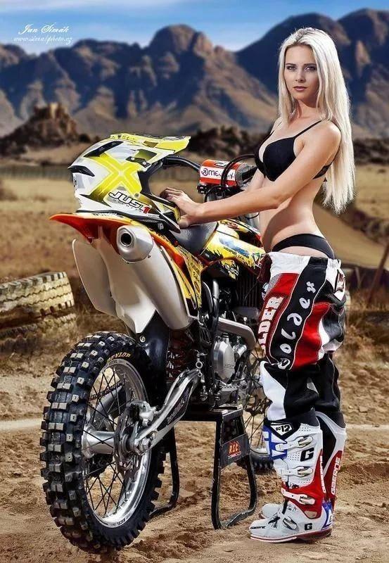 homemade-motocross-topless-girls-photos-pics-grannies-women