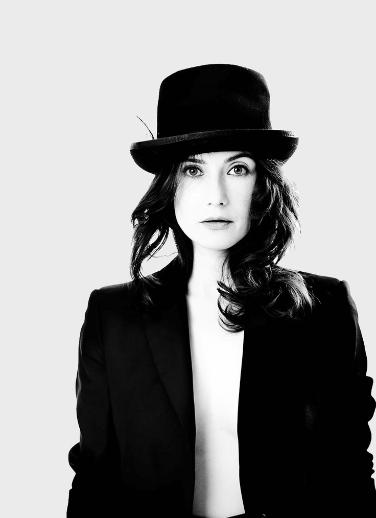 I love carice :) best dutch actress, and she's very funny
