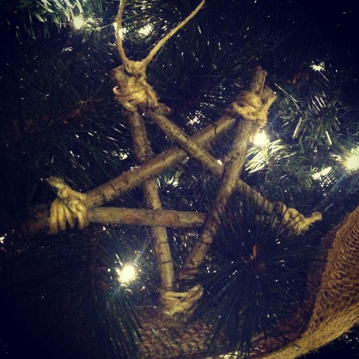 DIY Christmas tree ornament... Twig star