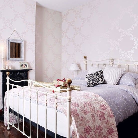 Main bedroom | House tour | Hertfordshire | PHOTO GALLERY | Country Homes & Interiors | Housetohome.co.uk