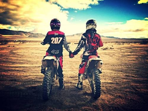love, motocross, and couple Bild