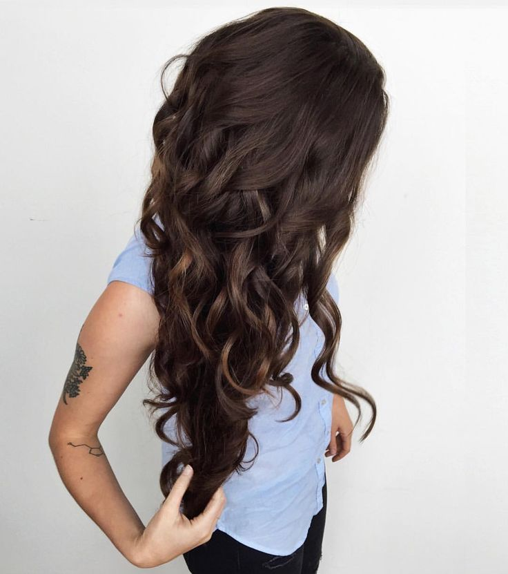 "Luxy Hair on Instagram: ""Obsessed with this shade. Because it's Chocolate. Double tap if you love  @forbeslaura is wearing 220g Chocolate Brown #luxyhair extensions in her shoulder length hair in this photo  #tbt"""