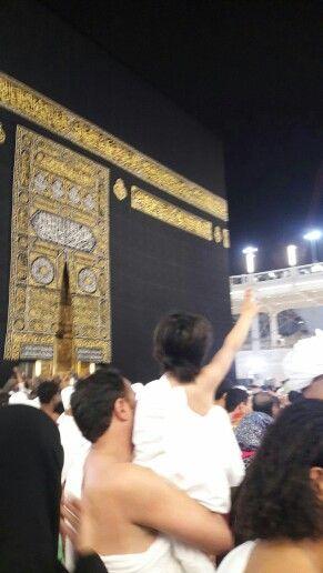 Kaldır ellerini uzat Allah'a doğru...
