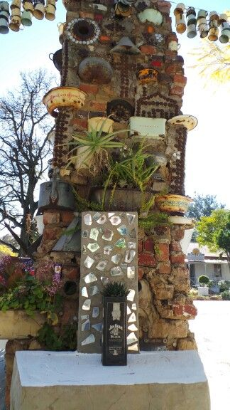 Mirror mosaic at the entrance of the venue in Cullinan.   www.janharmsgat. co.za