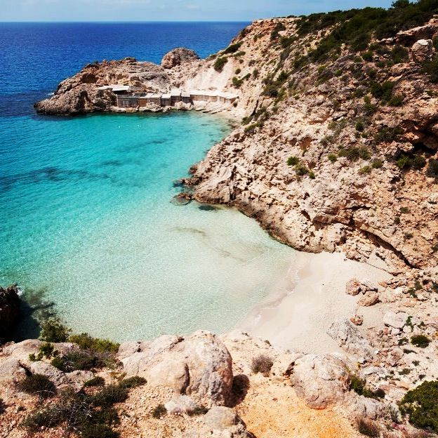 Make sure you visit Cala Tarideta this #summer in #ibiza with #keyibiza
