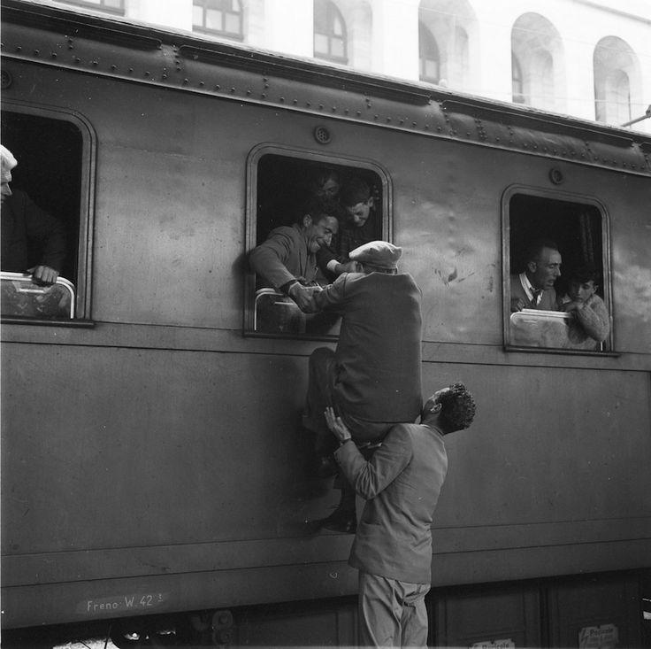 Foto vintage Stazione di Roma Termini treni per il sud