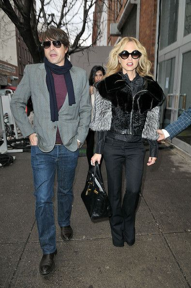 Rachel Zoe Photos Photos - Stylist Rachel Zoe and husband Rodger Berman attend the Marchesa Fashion Show for Mercedes-Benz Fashion Week at the Chelsea Art Museum in NYC. -  Anna Wintour attends the Marchesa Fashion Show