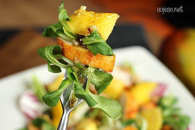 Aromatyczna sałatka z mango i kurczakiem | Zdrowe Przepisy Pauliny Styś