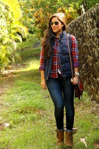 Women's Navy Quilted Vest, Red Plaid Dress Shirt, Navy Skinny Jeans, Brown Suede Ankle Boots